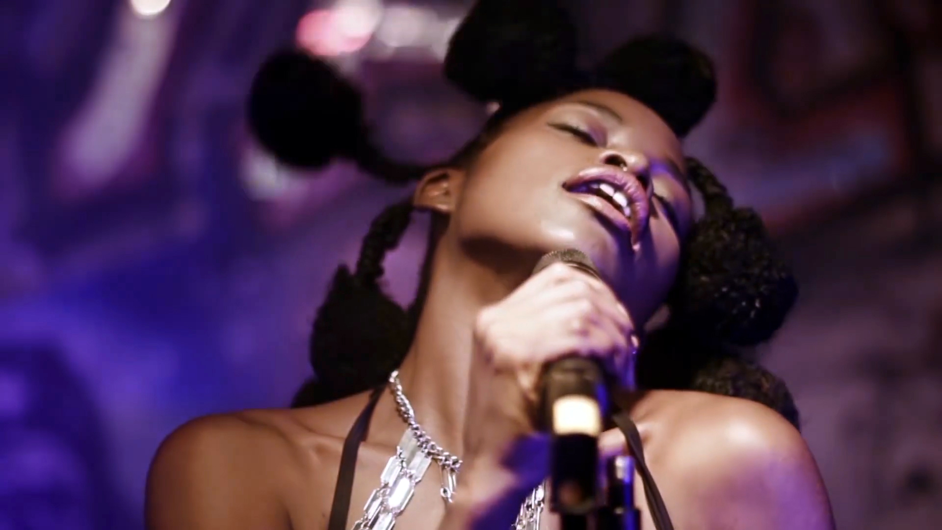 reniss-la-sauce-directed-by-ndukong-full-hd1080p-00_01_00_10-still001