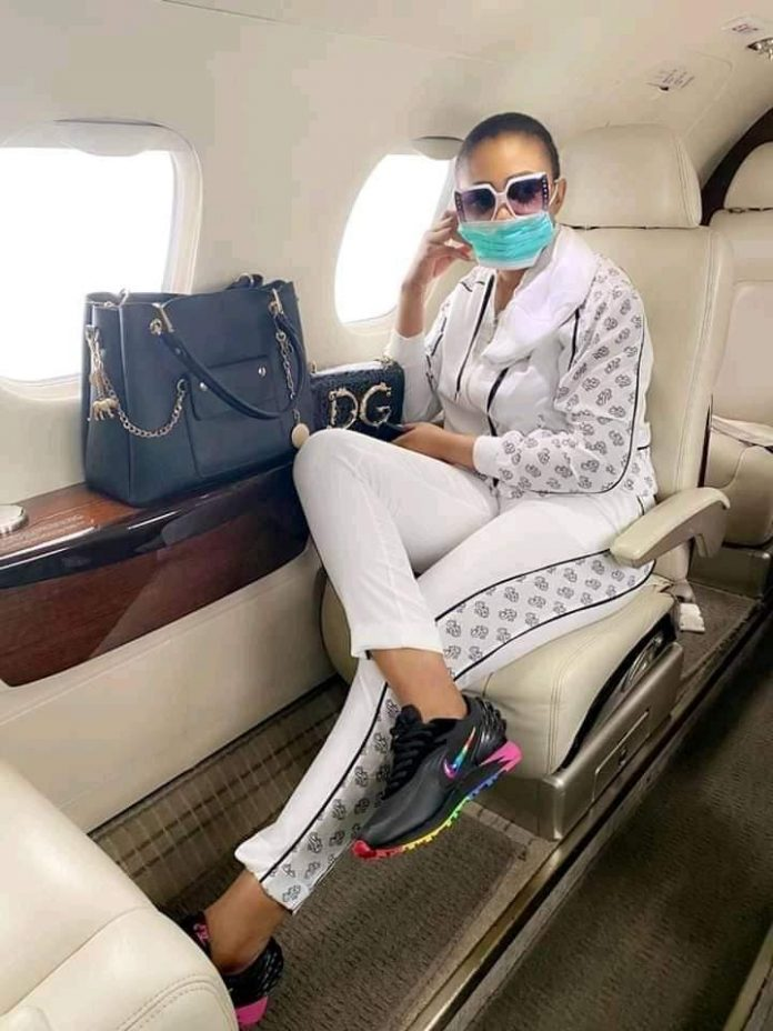 Syndy Emade - Private Jet